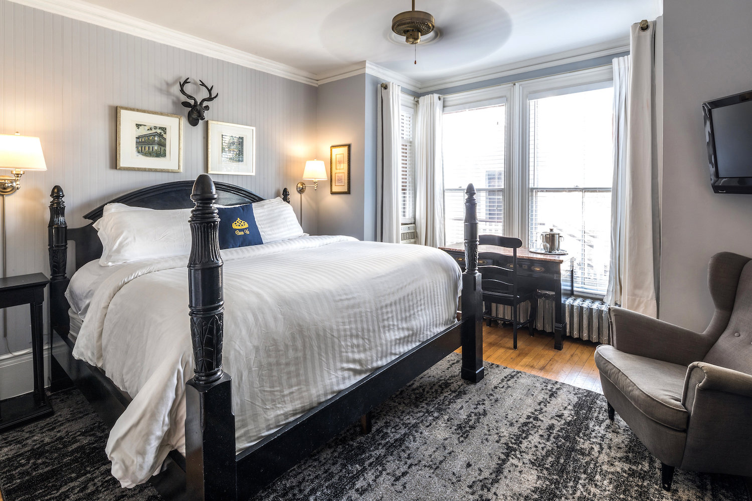 queen-vic-quest-house-provincetown-8-ROOM-12
