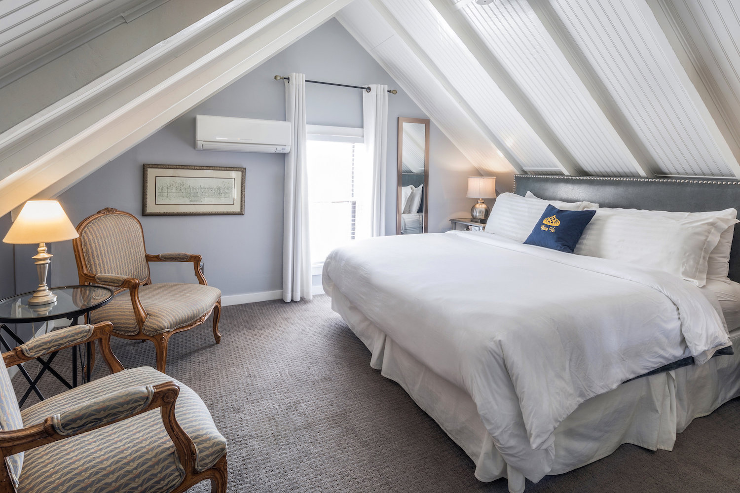 queen-vic-quest-house-provincetown-ROOM-18-MAIN-VIEW